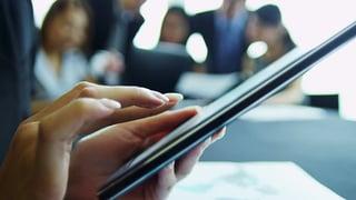 trechtrends-LAW-hands-tablet-office.png